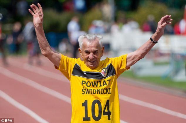 Stanisław Kowalsk. A los 100 evita el estrés